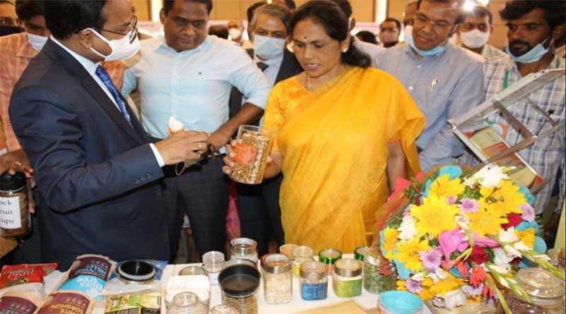 """""""Exporters Conclave"""" cum Exhibition inaugurated by Ms. Shobha Karandlaje, Hon'ble Union Minister of State for Agriculture and Farmers Welfare"""
